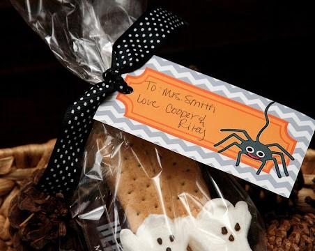 Halloween S'mores Teacher Gift & Free Printable