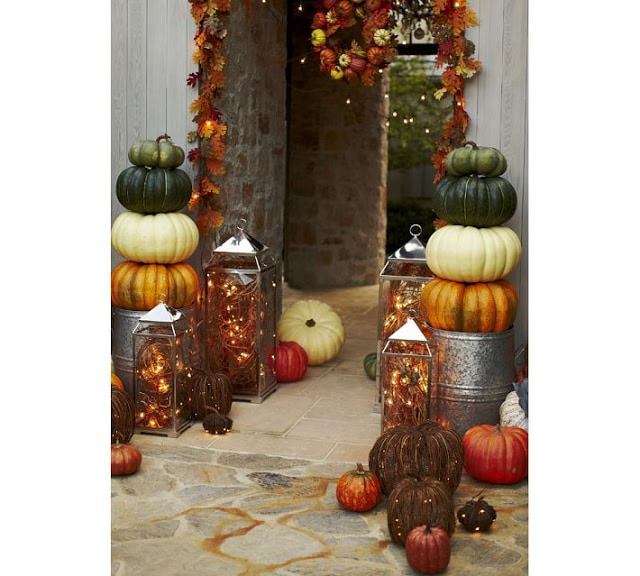 Pumpkin Topiary on porch