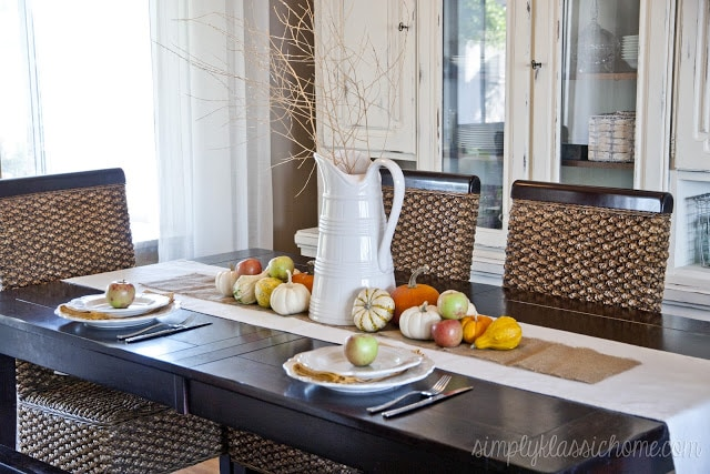 Dining room with fall decor