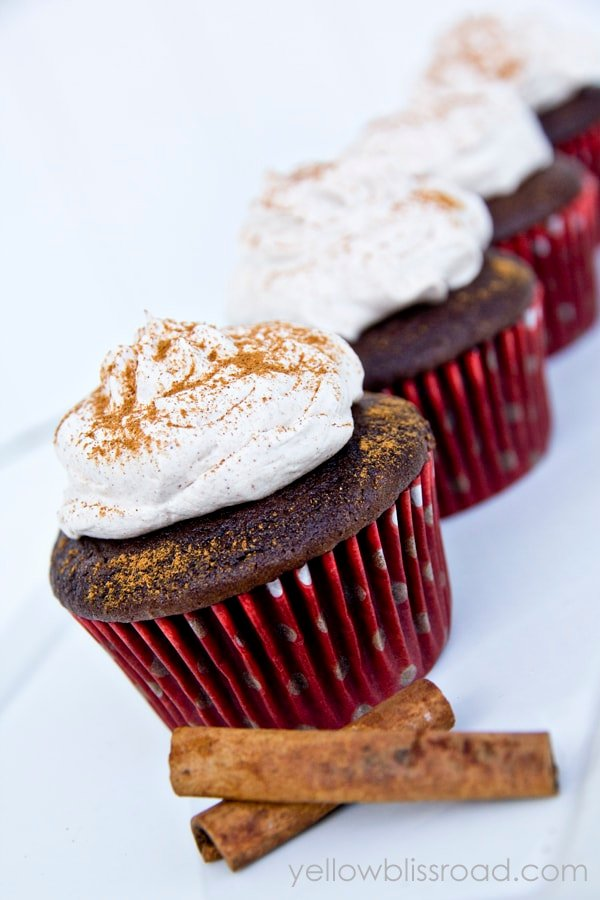 Mexican Hot Chocolate Cupcakes with Cinnamon Whipped Cream Frosting - a perfect treat for Cinco de Mayo parties!