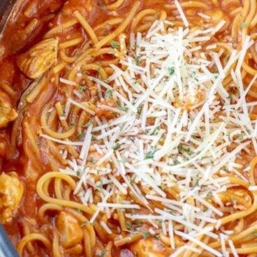 A close up of chicken spaghetti