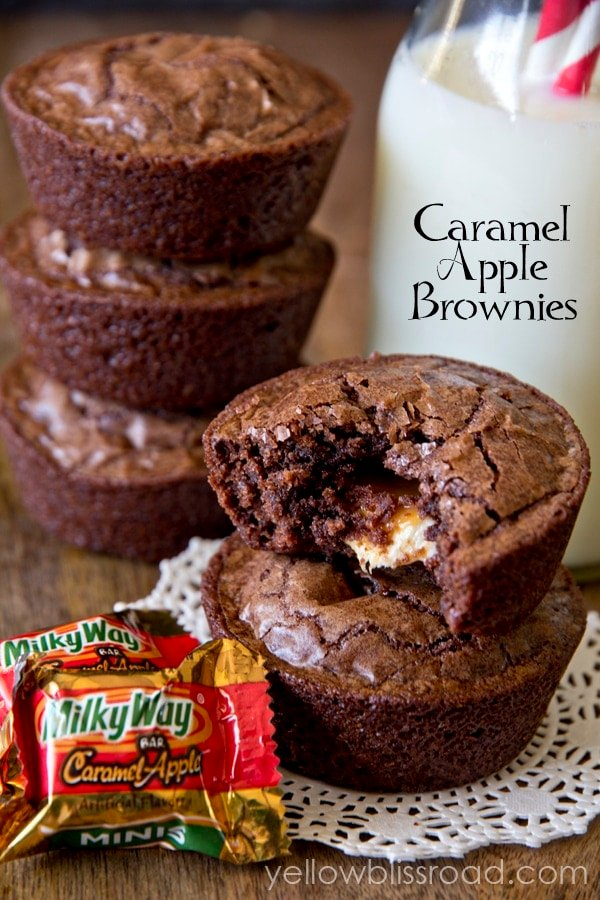 caramel apple brownie cups title