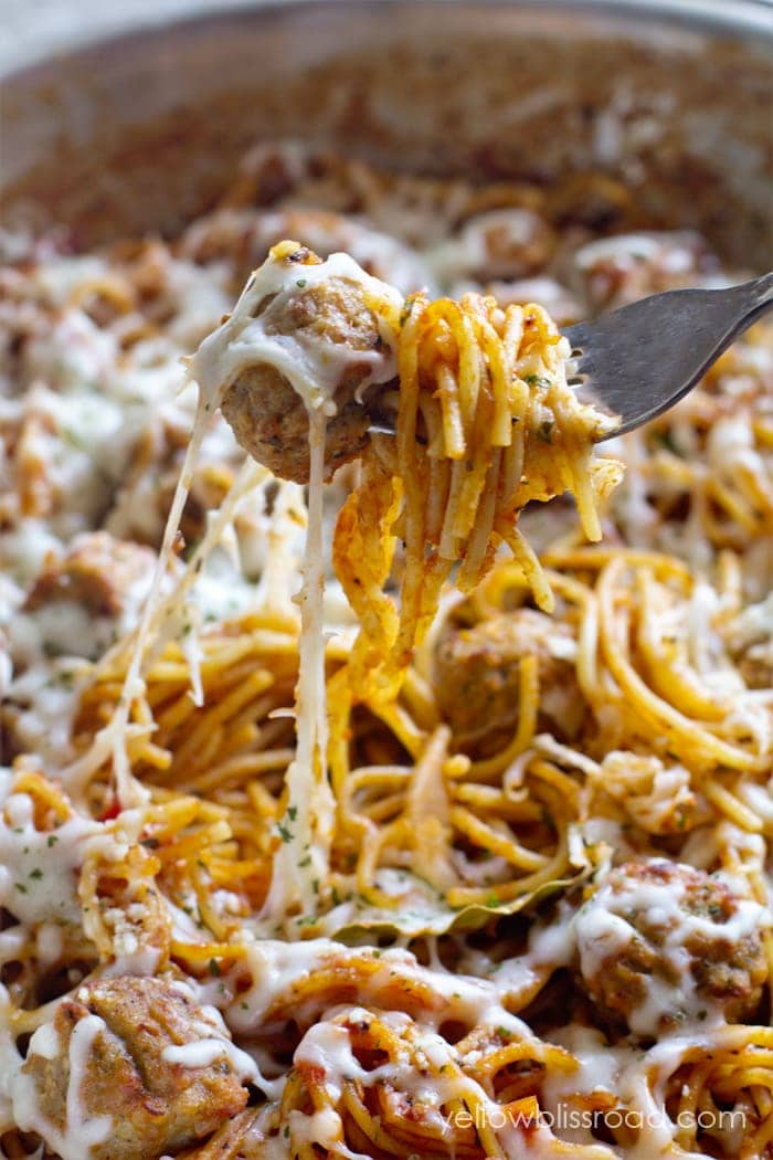 Easy One Pan Spaghetti and Meatballs