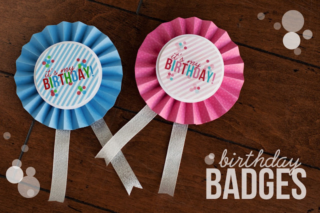 Birthday badges in pink and blue