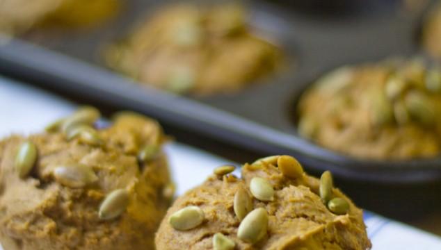 2 Ingredient Spiced Pumpkin Muffins