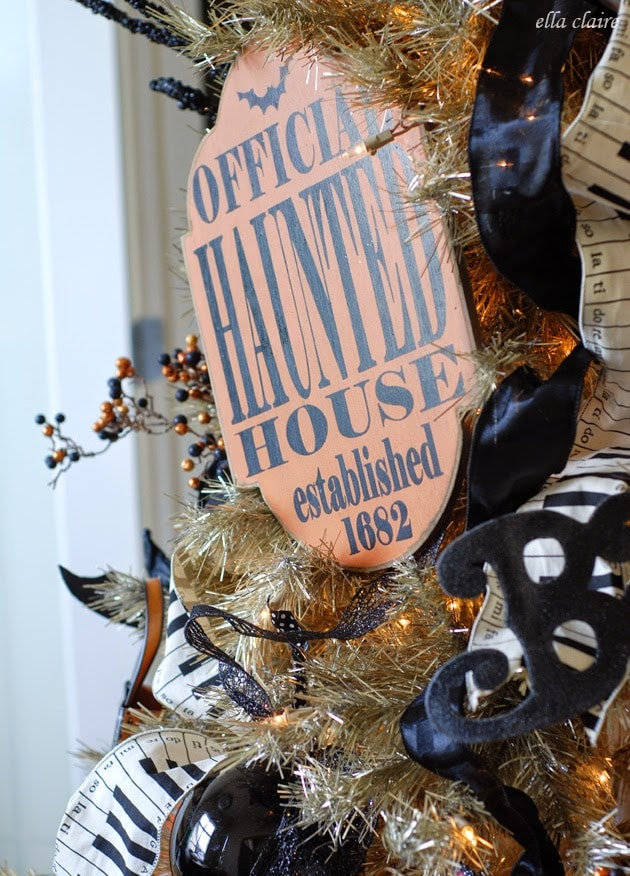 Close up Halloween decor