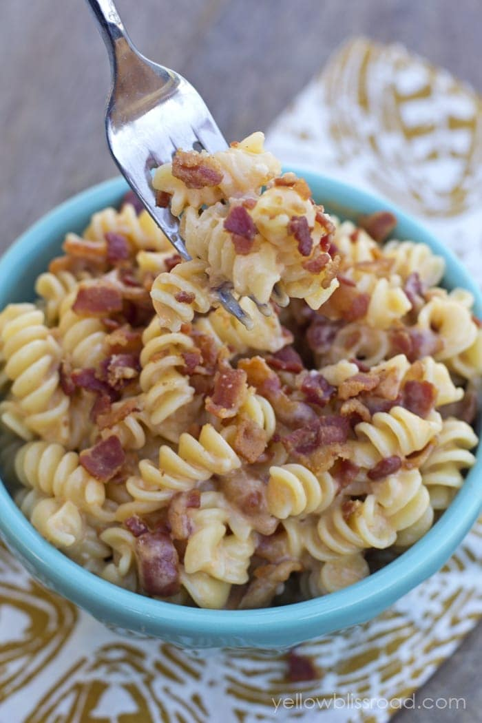 Cheddar, Bacon and Garlic Mac and Cheese