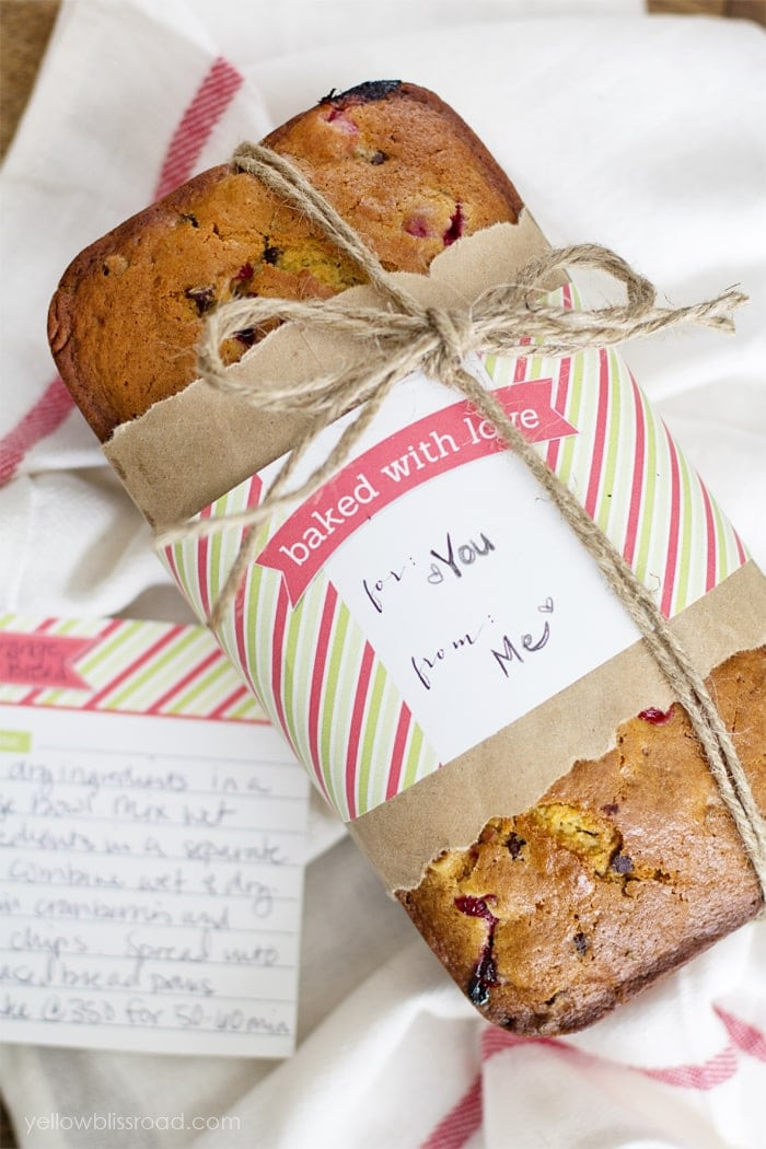 Homemade Christmas Gift | Adorable (and free!) Bread Wrappers Add a Special Touch to Your Holiday Gifts