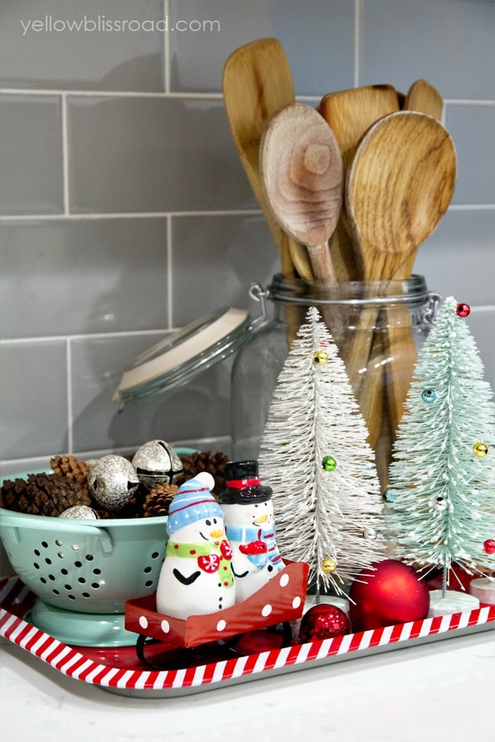christmas kitchen decor wooden spoons - Christmas Kitchen Decor