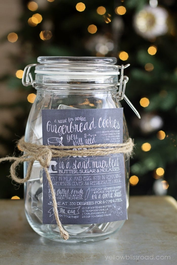 DIY Sugar Cookie Cutter Gift Idea with free printable chalkboard recipes | DIY Gift Ideas