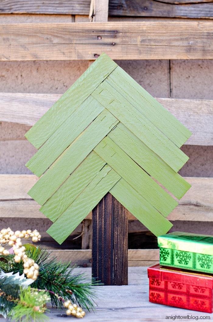 Christmas Crafts: Wood Shim Christmas Tree