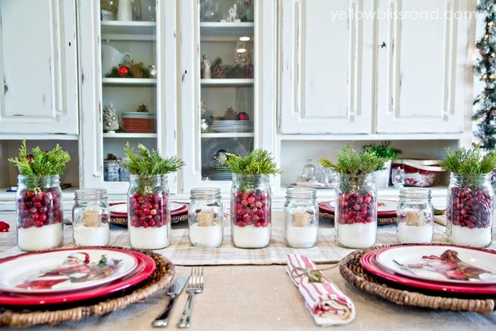 pretty christmas table setting
