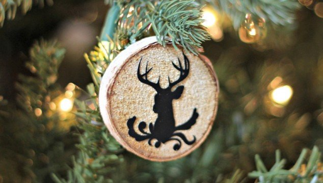 The Quickest & Easiest Way to Make Wood Slice Ornaments