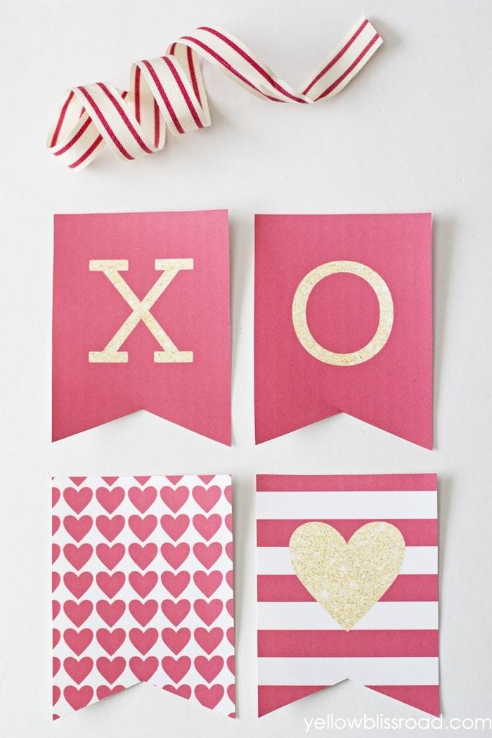 XOXO Valentine Banner