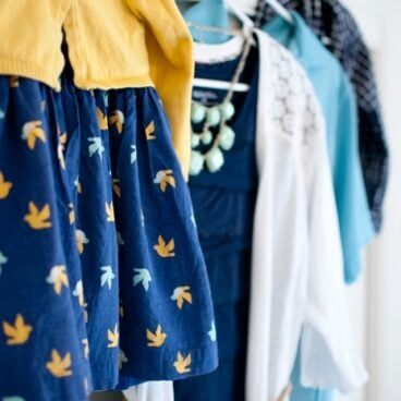 How To Dress For Family Portraits - Snap Happy Mom for Yellow Bliss Road