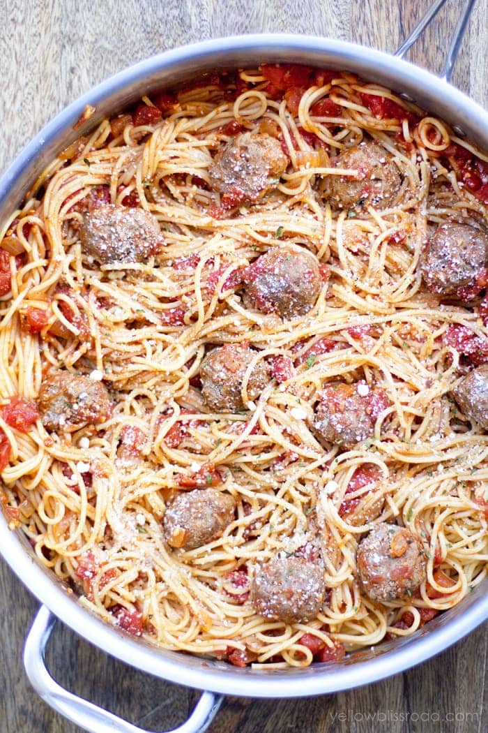 Spaghetti and Homemade Meatballs in a light and fresh Pomodoro Sauce - so easy and ready in under 30 minutes!