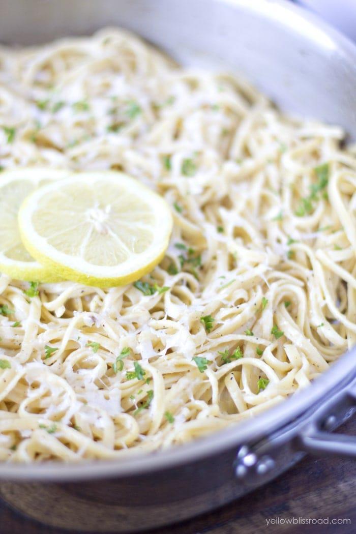 One Pan Lemon Garlic Linguine