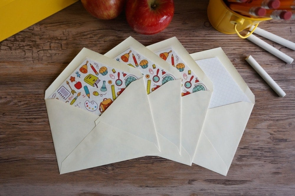 Free thank you gift card printable for a teacher, with envelope liner