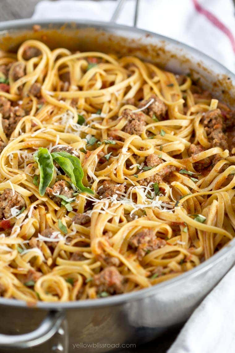 Linguine with Meat Sauce