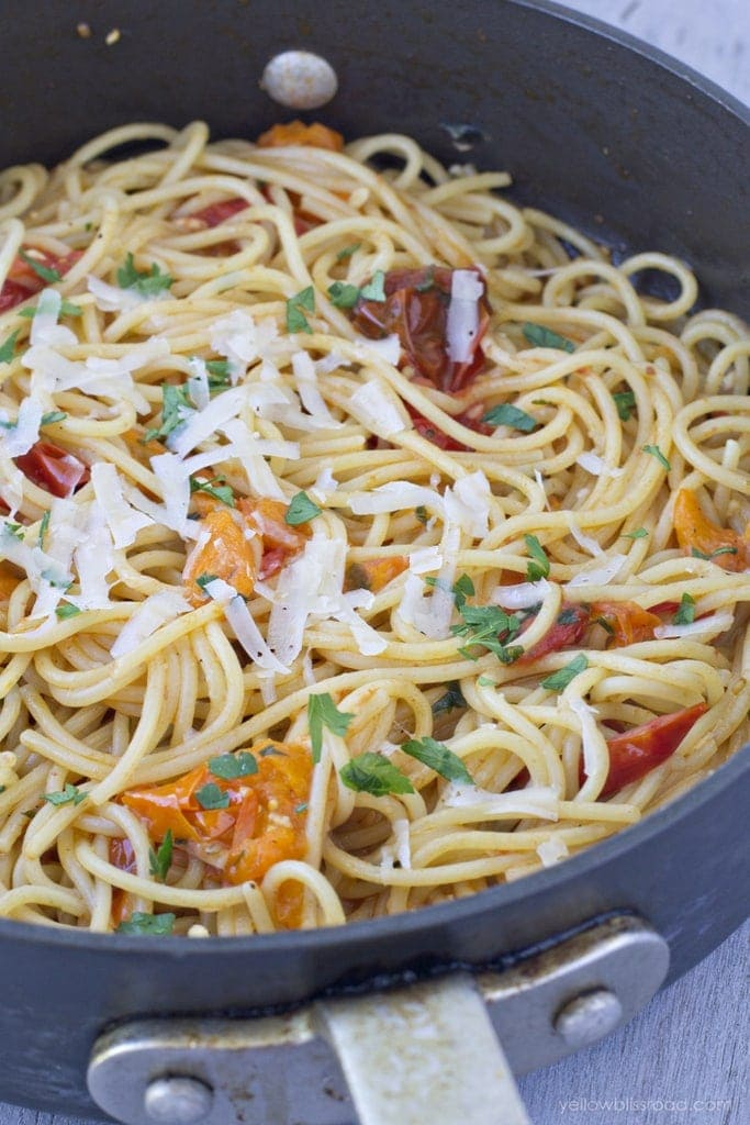 Rustic Tomato and Garlic Pasta