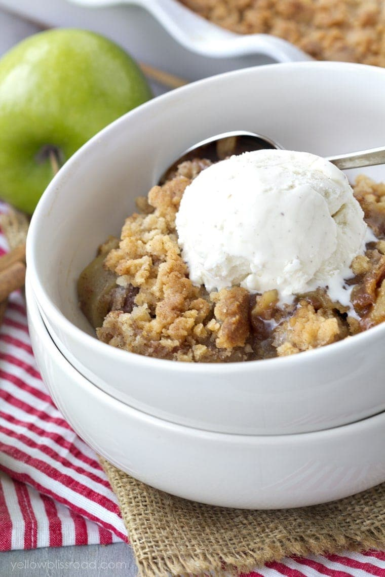 Snickerdoodle Apple Cobbler with Ice Cream