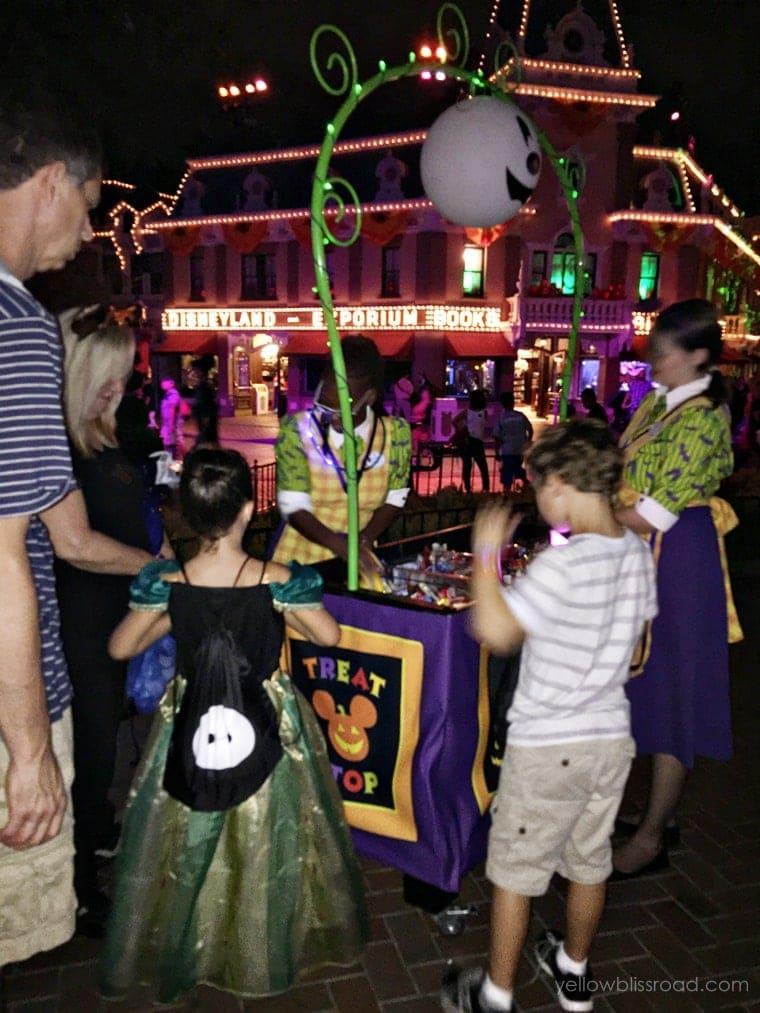 Disneyland Trick or Treating