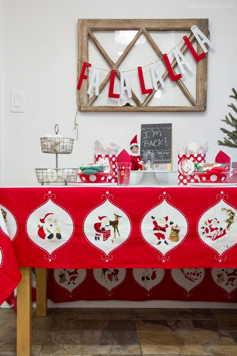 Elf on the Shelf table party
