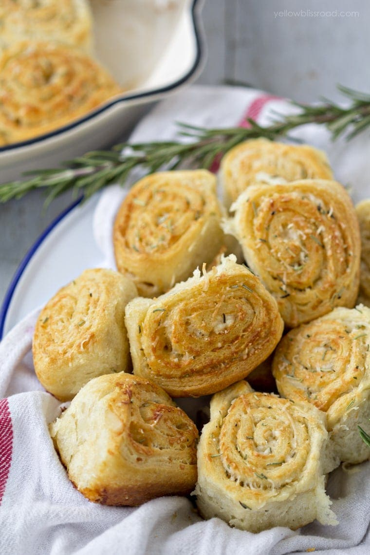 Parmesan Rosemary and Garlic Dinner Rolls
