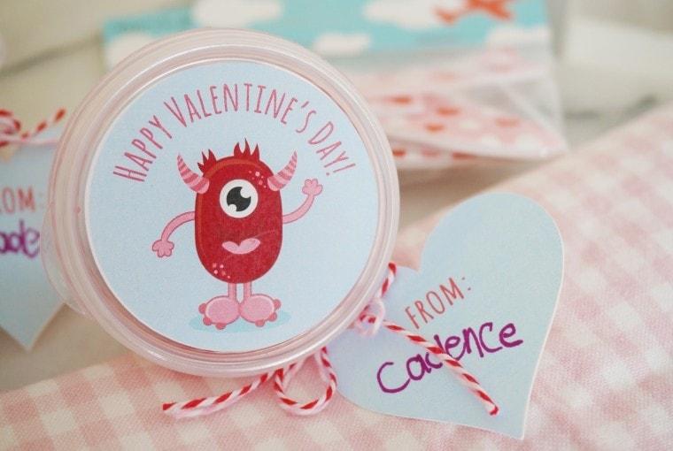 DIY Playdough Valentine with free printable