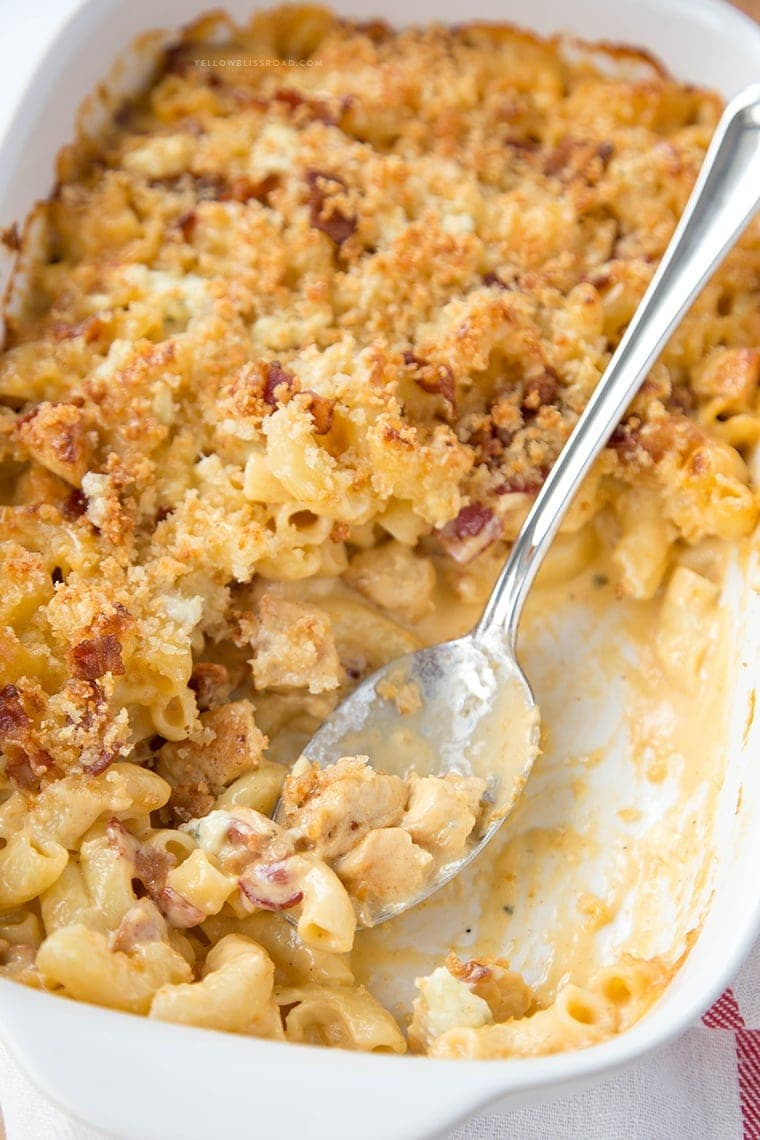 Chicken, Bacon and Blue Macaroni and Cheese - Ultra creamy, rich and flavorful with a 4-cheese sauce and Parmesan breadcrumb topping. The ultimate comfort food!