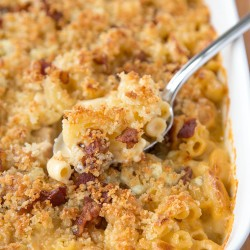 A close up of baked macaroni and cheese