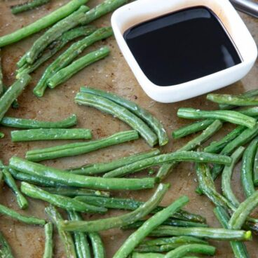 A close up of green beans