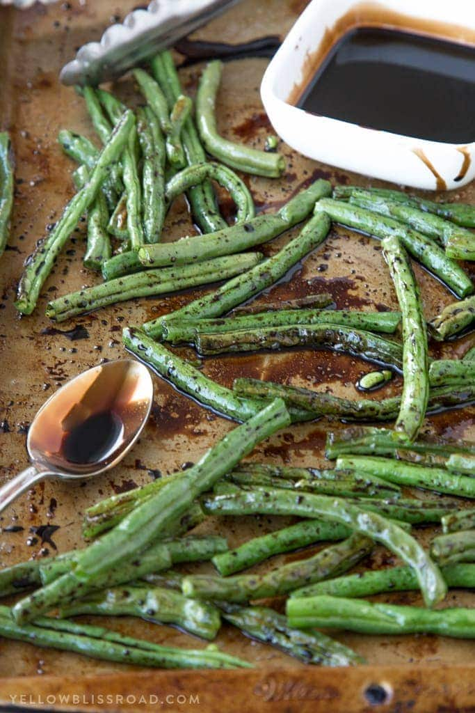 Balsamic roasted green beans tender oven roasted green beans with a sweet and tangy balsamic reduction. A perfect side dish for any holiday, especially Thanksgiving and Christmas!