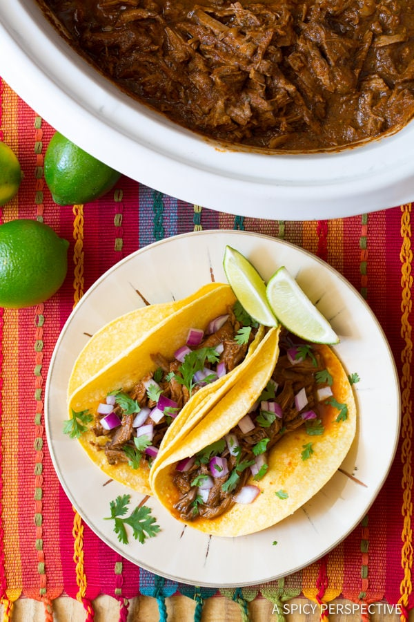 Two tacos on a plate