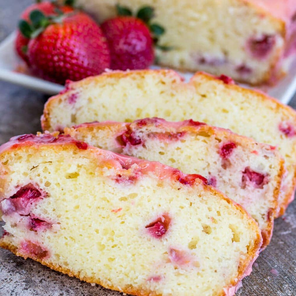 strawberry pound cake strawberry pound cake with a sweet strawberry glaze 7762