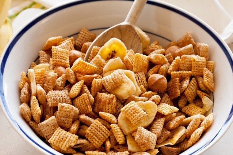 Make this Tropical Chex Mix for your next summer party! With the flavors of bananas, pineapple, and coconut, it's the perfect Hawaiian-themed snack!