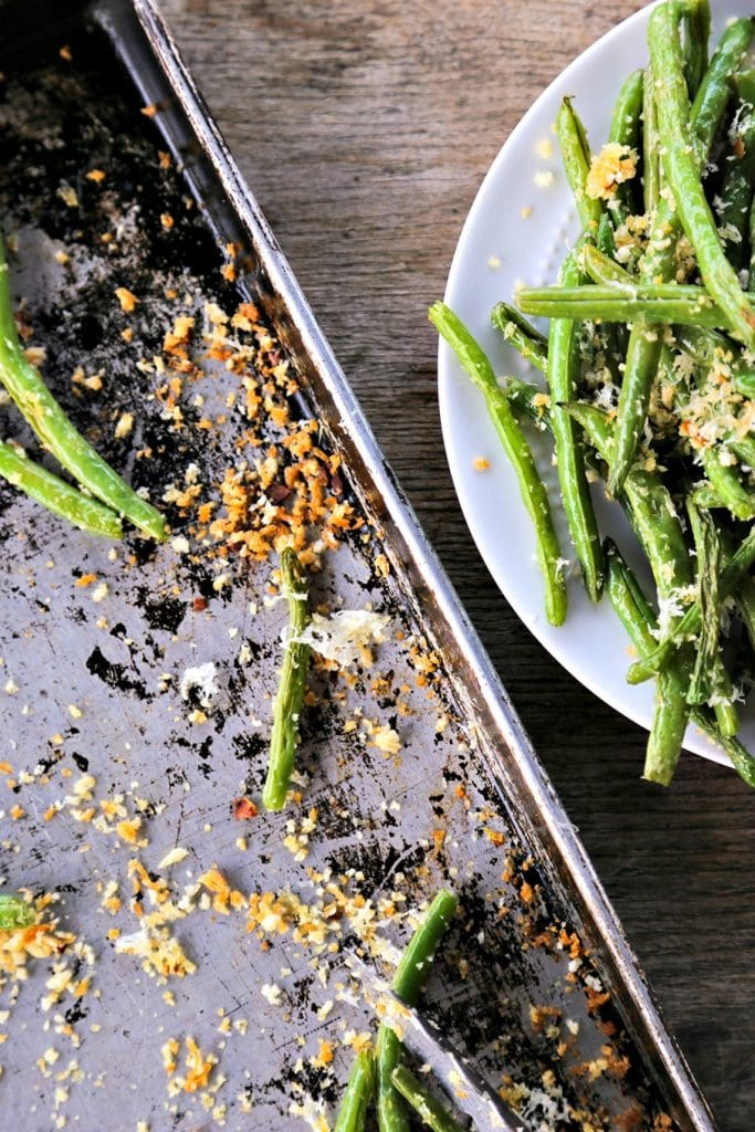 A plate of green beans