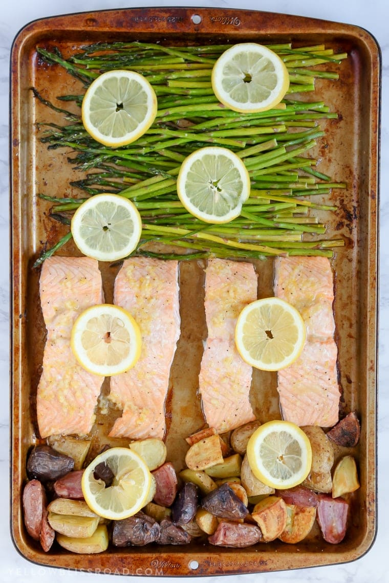 Sheet pan with salmon and asparagus