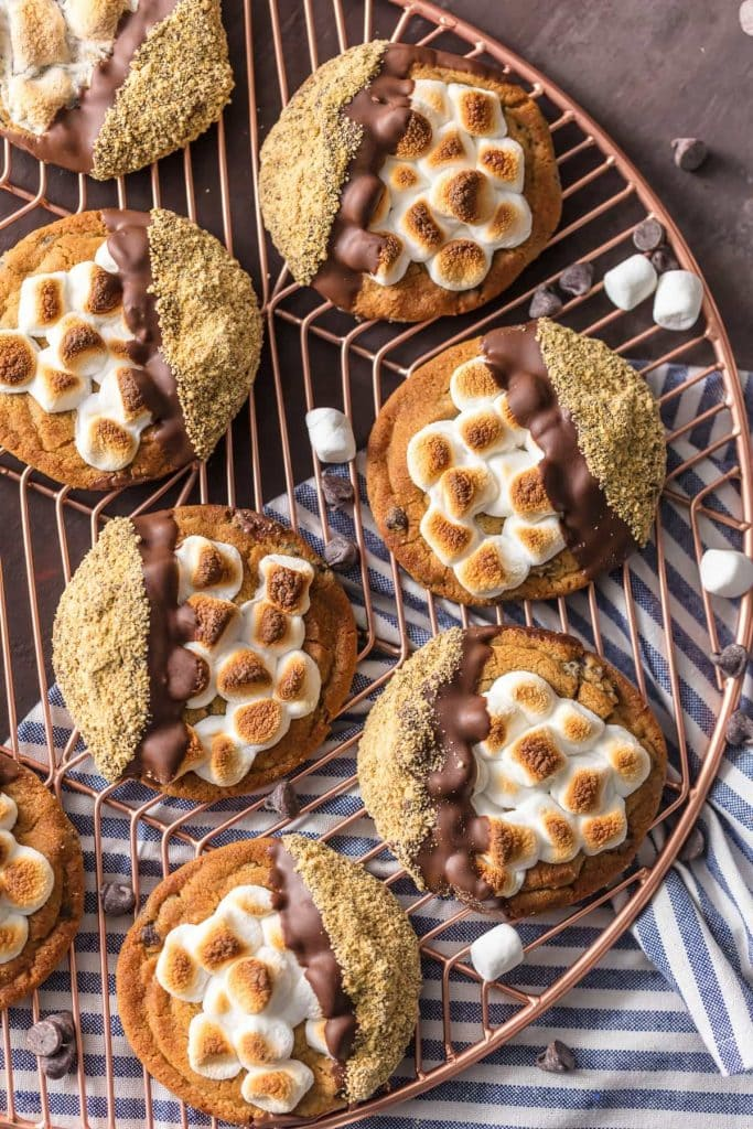 A cooling rack with S\'more cookies