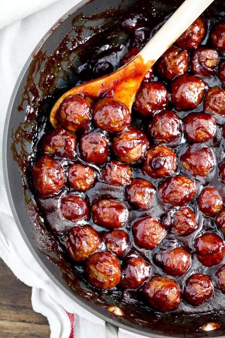 Spicy Cranberry Meatballs for The Ultimate Thanksgiving Menu