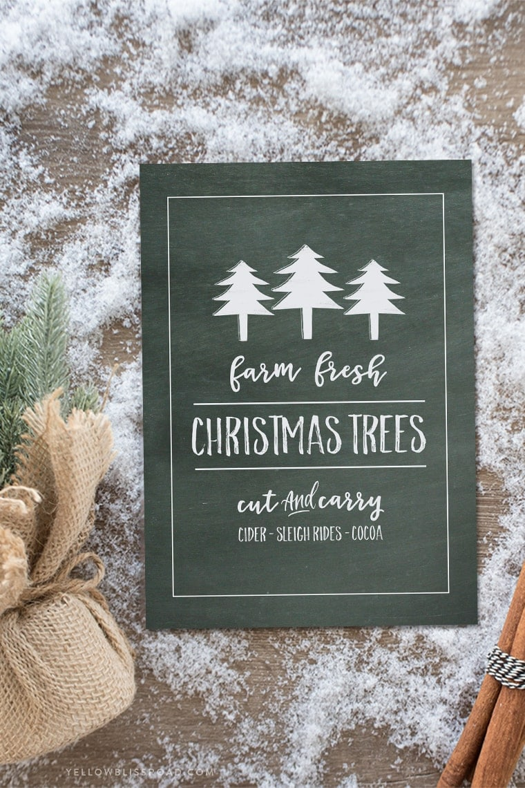 Free Printable Chalkboard Christmas print | Available in two colors and sizes | Inexpensive Christmas decor