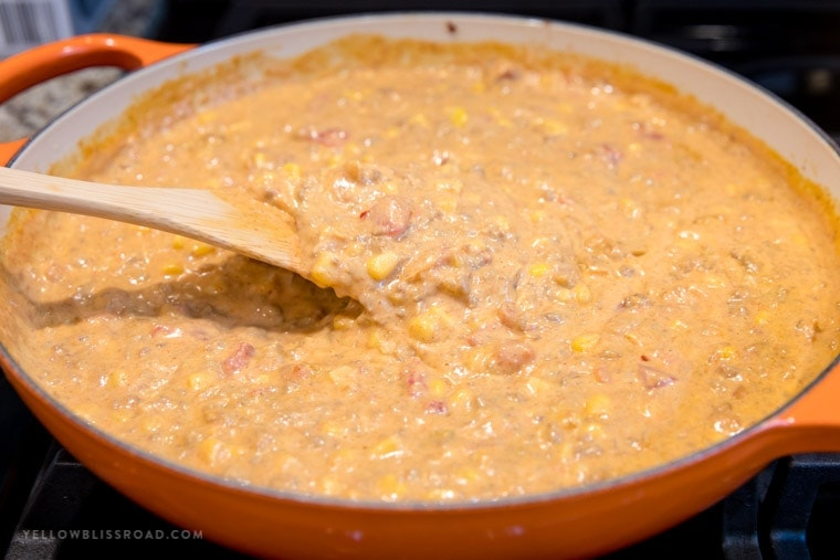 how to make cheesy chorizo dip