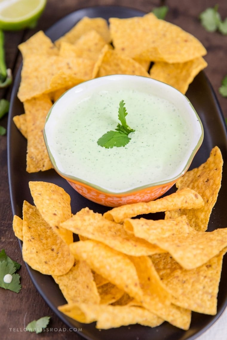 Creamy Jalapeno Ranch Dip (Chuy's Copycat) - Chip Dip - Party appetizers - Game Day