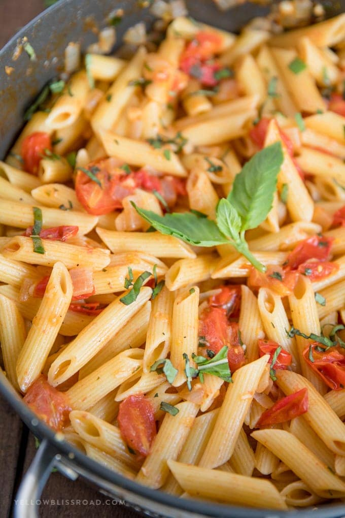 Close up image of tomato basil pasta