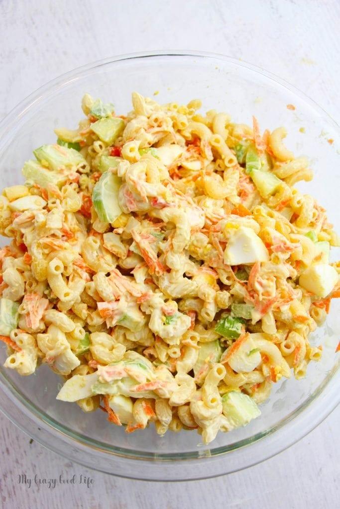 A bowl of pasta salad