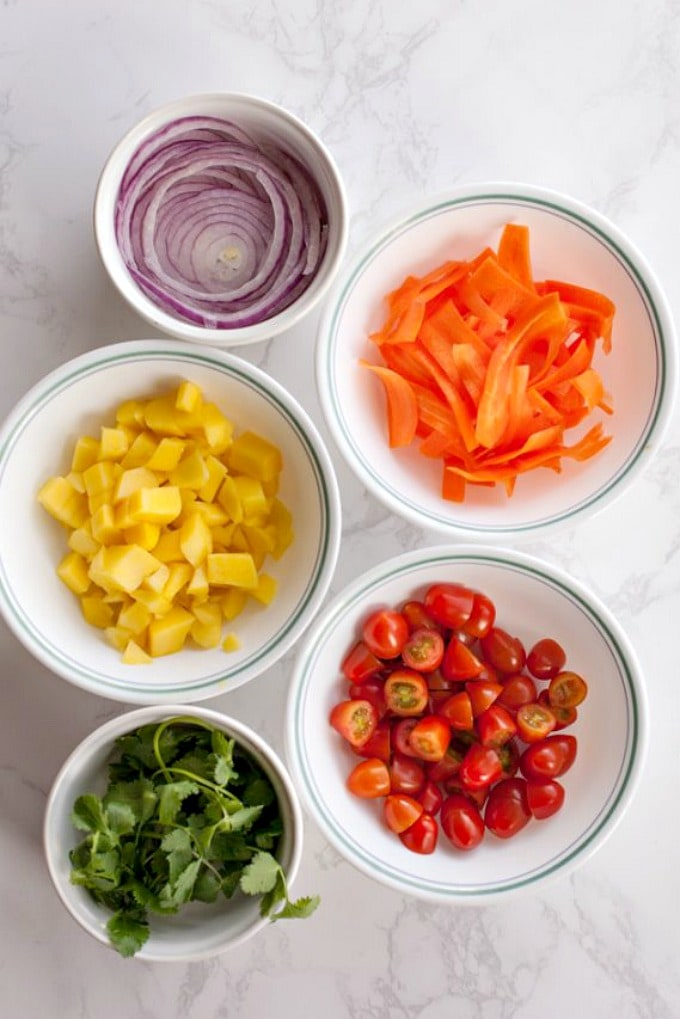 ingredients to make black bean and mango salad