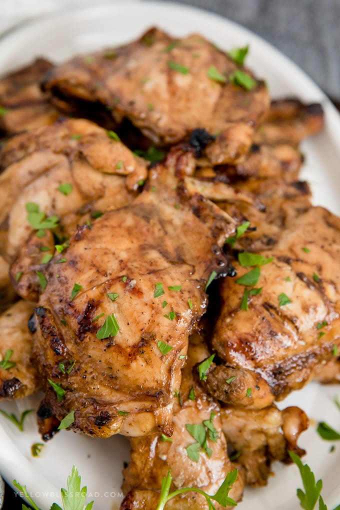 grilled chicken marinade - grilled chicken thighs on a plate