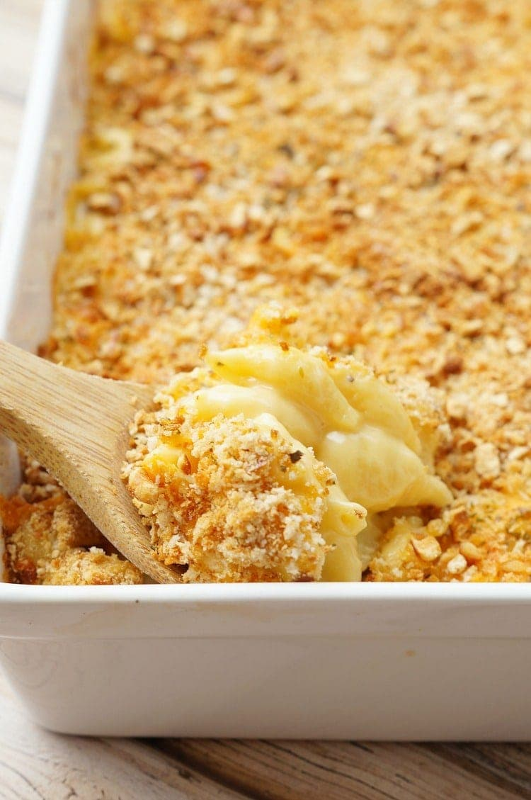 spoonfull of baked macaroni and cheese