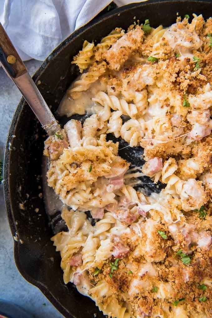 A pan filled with Chicken Cordon Bleu Pasta