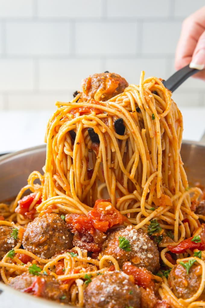 A pan filled with Spaghetti and Meatballs.
